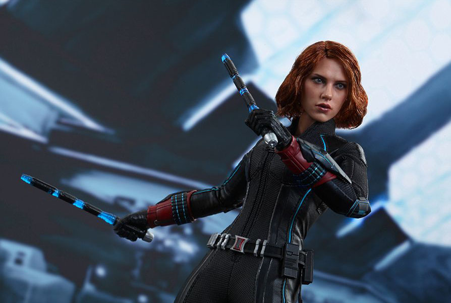 hot-toy-avengers-age-of-ultron-black-widow-10