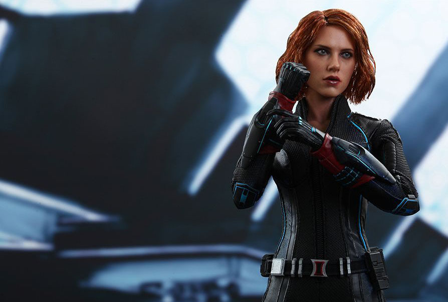 hot-toy-avengers-age-of-ultron-black-widow-12
