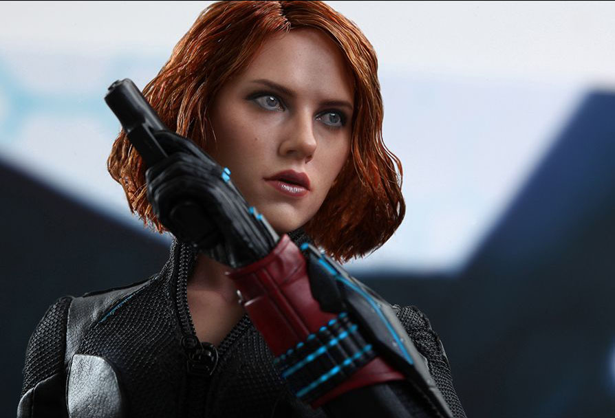 hot-toy-avengers-age-of-ultron-black-widow-13