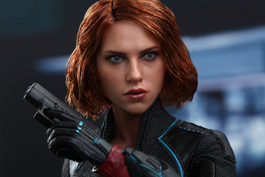 hot-toy-avengers-age-of-ultron-black-widow-15